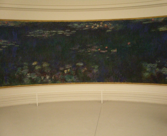 Monet Waterlily in Musee de l'Orangerie