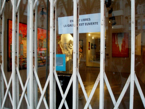 A Montmartre Gallery that was closed on New Year's Day