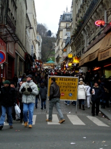 montmartre street to sacre coeur