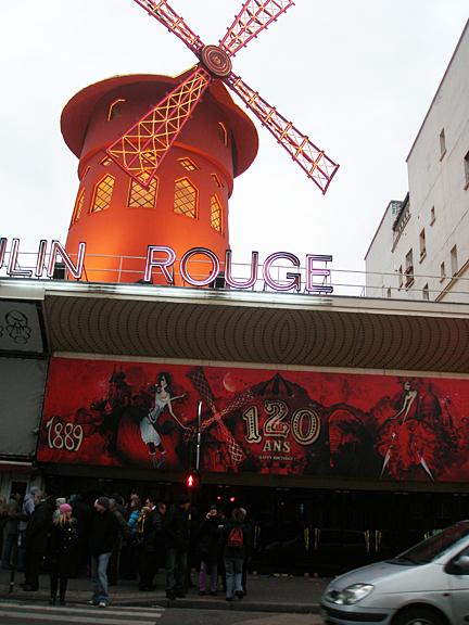 Moulin Rouge @ Montmartre/ Pigalle